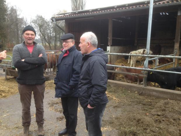 Ludger Strotdreees, organic farmer, discussing with Gérard and Dominique